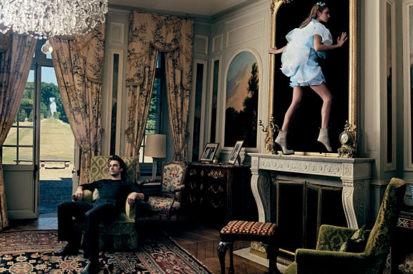 Alice through the looking glass:  Photographer Annie Liebowitz for Vogue