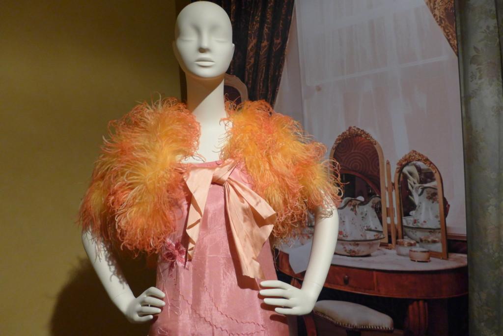 Pyjama:  Peach pin and tangerine marabou capulet.  Salmon rose silk pyjama set