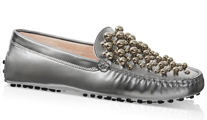 Tods Gommino driving shoe in metallic leather with metal spheres