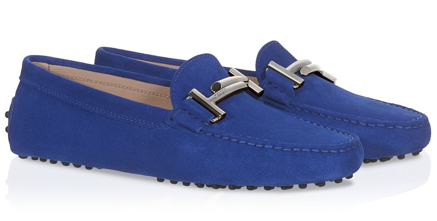 Tons Gommino driving shoe in suede with Double T buckle and iconic rubber pebble out sole