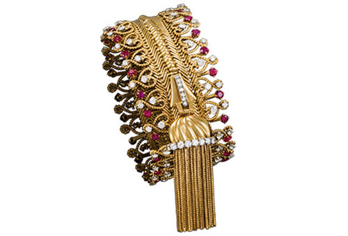 Patrick Gries © Van Cleef & Arpels Zip necklace transformable into a bracelet, 1954 Platinum, gold, rubies, diamonds. Van Cleef & Arpels Collection.