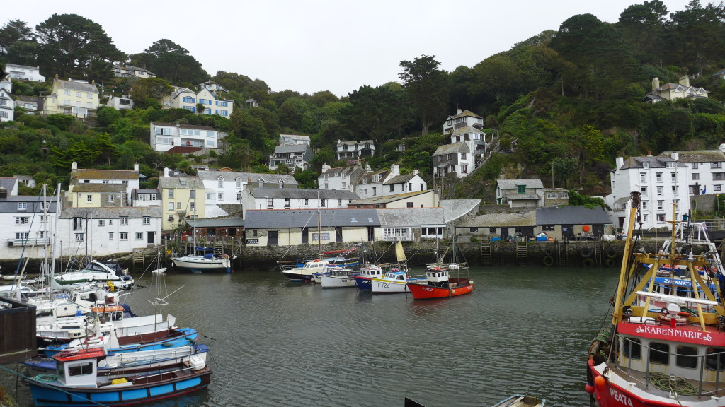 Picturesque harbour Polperro, Cornwall   Photograph:  GRACIE