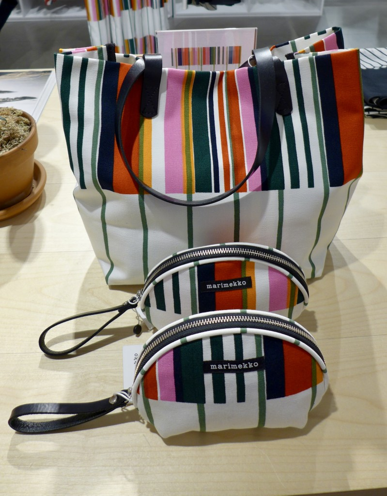 Marimekko Kirjo print Tote and purses   Photograph  GRACIE